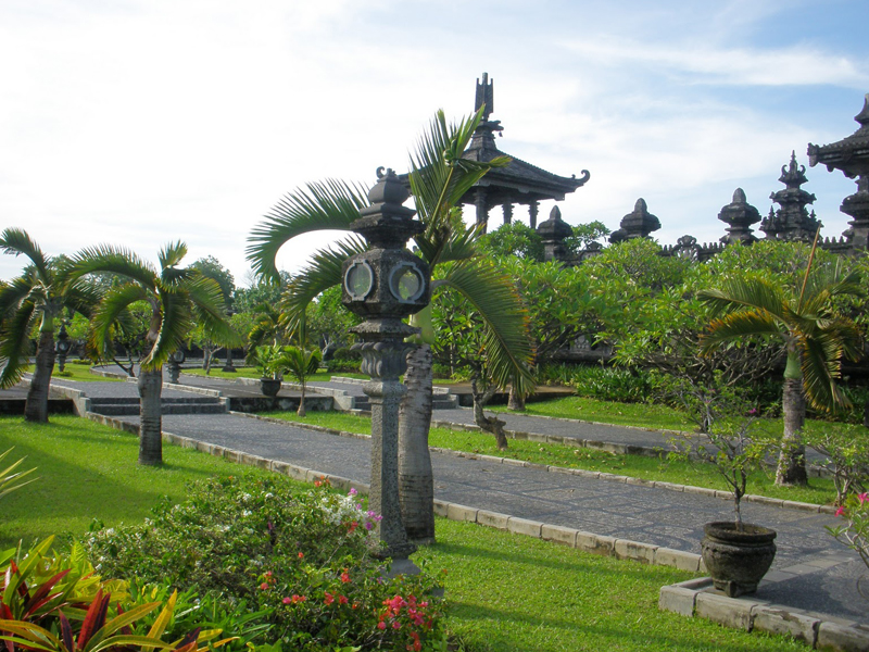Cheap flights to denpasar